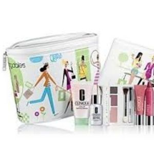 CLINIQUE FOR BLOOMINGDALE'S Printed Train Case O/S